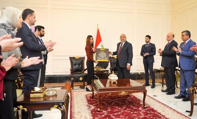 La Nobel de la Paz Nadia Murad y el primer ministro de Irak, Adel Abdul Mahdi