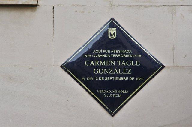 Placa en honor a Carmen Tagle, asesinada por ETA en 1989