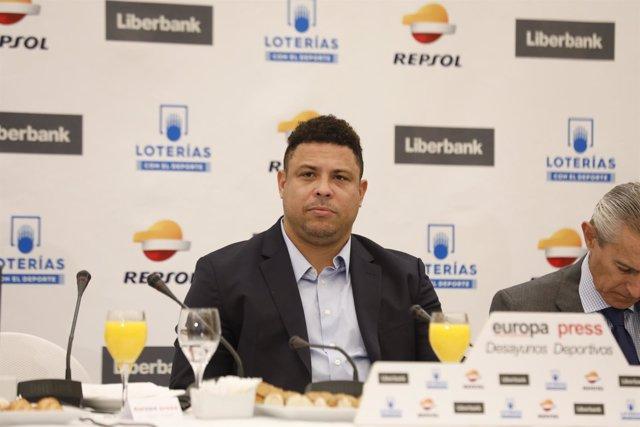 """Desayuno Deportivo de Europa Press """"Proyecto Real Valladolid"""" con Ronaldo Nazári"""