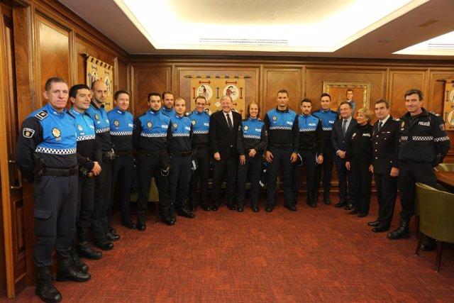 Silván durante la recepción de los 11 nuevos agentes.