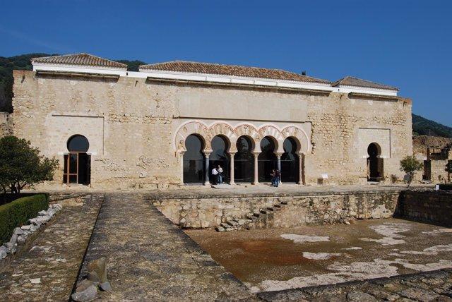 Vista Exterior Del Salón Rico De Medina Azahara