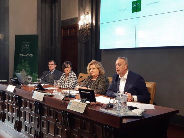 El vicepresidente de la Diputación, Ruiz Boix, en una jornada memorialista