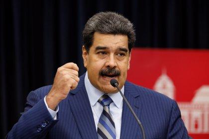 """Maduro insta a los militares a estar """"alerta"""" para derrotar las """"conspiraciones imperiales"""""""
