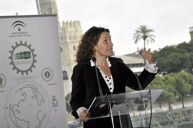 Lina Gálvez durante unas jornadas sobre comercio internacional