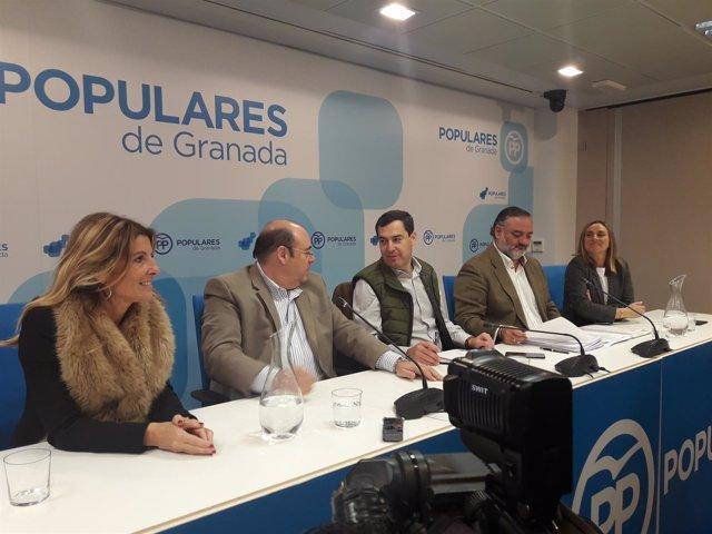 Juanma Moreno en la sede del PP de Granada