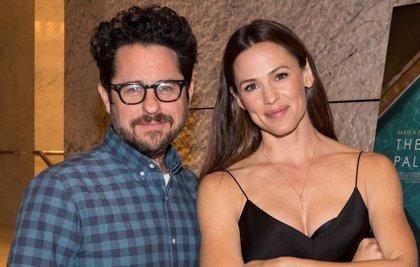 J.J. Abrams y Jennifer Garner, juntos 12 años después de Alias en una serie para Apple