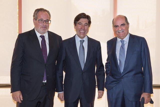 El presidente de Sacyr, Manuel Manrique, Carceller y Moreno Carretero