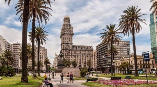 Uruguay declara el turismo un derecho humano
