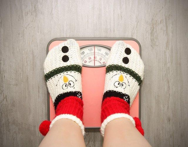 Báscula, kilos, engordar, navidad