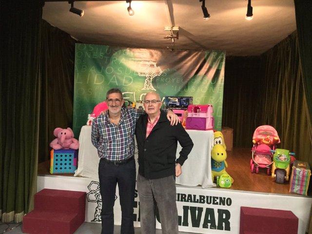El Estadio Miralbueno El Olivar recoge juguetes que entrega a Federico Ozanam