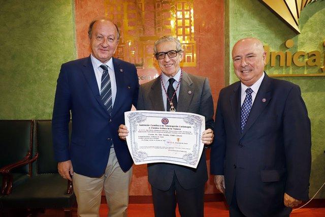 Braulio Medel es nombrado Académico de Honor de la Institución Carlomagno
