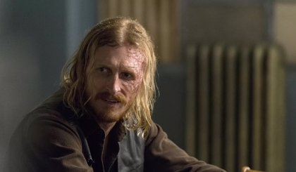 Austin Amelio desvela el destino de Dwight en The Walking Dead