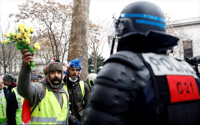Al menos 120 detenidos y nuevos enfrentamientos en París entre la Policía y los 'chalecos amarillos