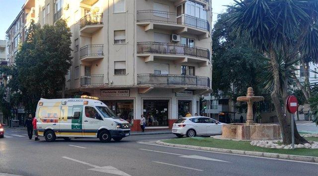 Una colisión entre un autobús de línea y un turismo deja tres heridos en Málaga capital