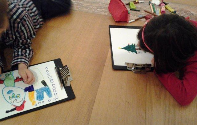 Niños en una actividad navideña