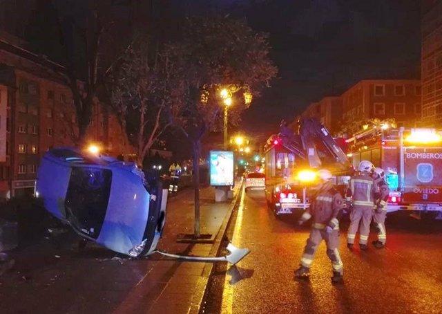 Imagen del accidente de tráfico registrado en Oviedo