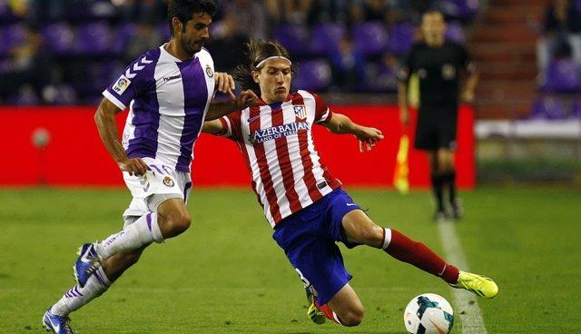 Filipe Luis en un Valladolid - Atlético Madrid