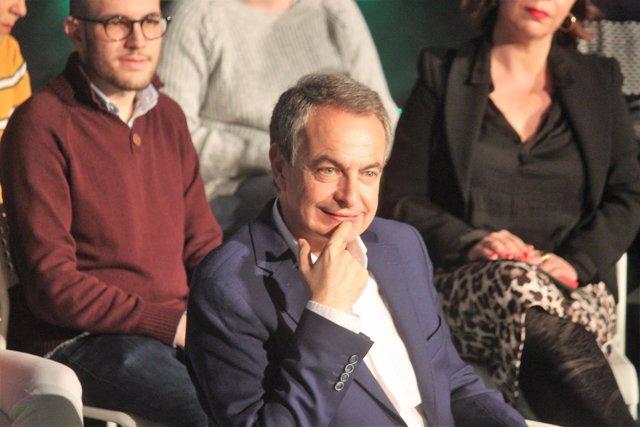 Zapatero en un acto en San Fernando