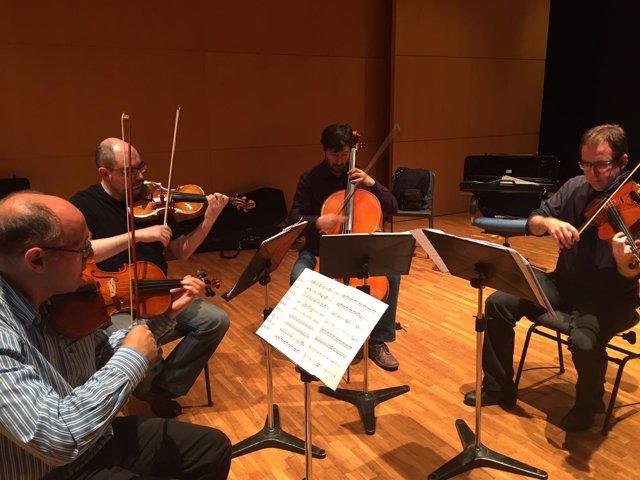 El Cuarteto Saravasti, durante un ensayo en el Auditorio regional.