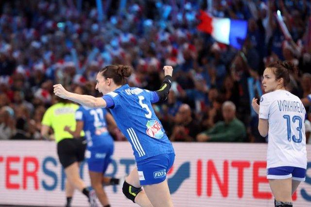 Camille Ayglon Saurina, jugadora francesa de balonmano