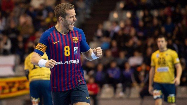 Víctor Tomás celebra un gol con el Barça Lassa