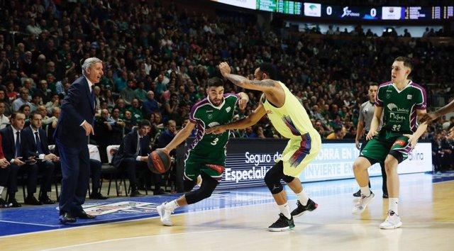 Jaime Fernández, del Unicaja, en un partido contra el Barça Lassa