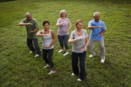 8 beneficios del Tai Chi para las personas mayores