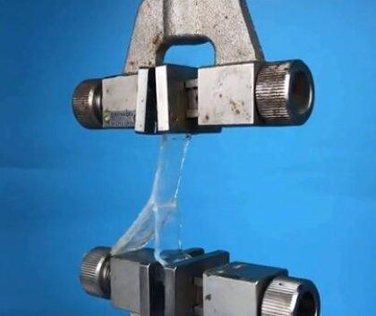 Crean tiritas que pegan materiales húmedos y se desprenden con facilidad