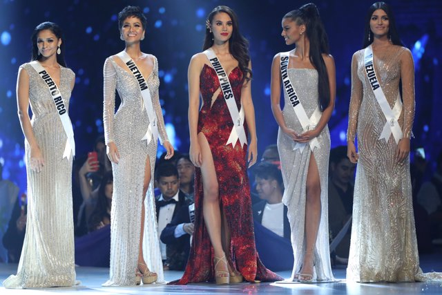 The top five contestants are pictured during the final round of the Miss Univers