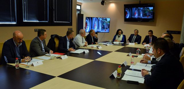 Valverde, durante la reunión con los empresarios del transporte