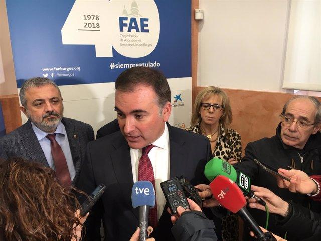 Santamaría atiende a los medios en Burgos 17-12-2018