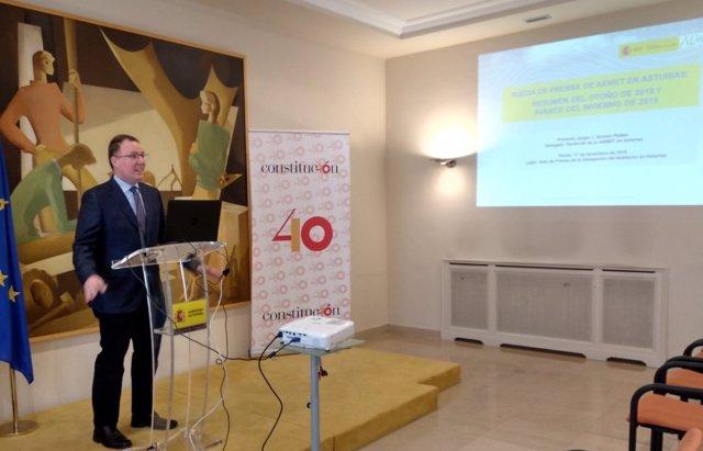 El delegado de la AEMET en Asturias, Ángel Gómez