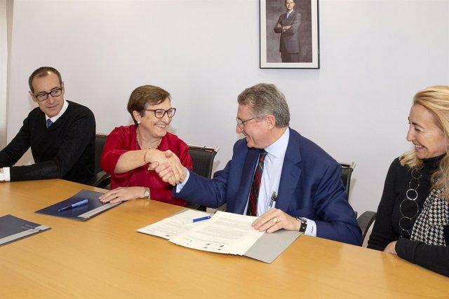 Sanidad y AECC firman convenio de colaboración