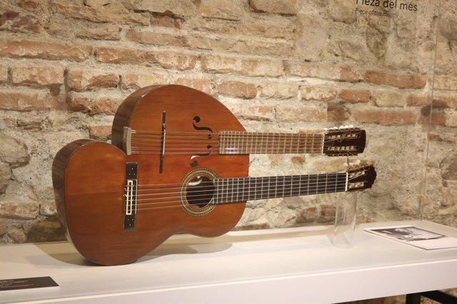 Guitarra-laúd de Juan Cornejo