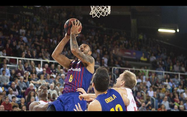 El Barça se refugia en el Palau para voltear su mal momento
