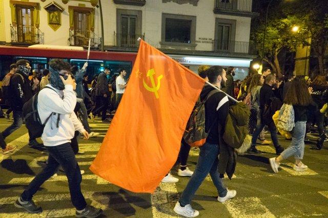 Manifestación antifascista por las calles de Sevilla