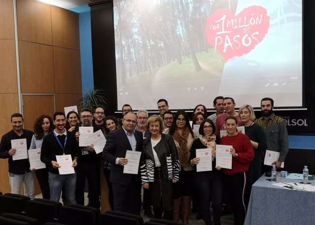 Entrega de diplomas 'Por un millón de pasos' en Software Delsol.