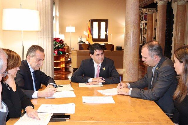 La Diputación de Barcelona firma créditos con 21 ayuntamientos