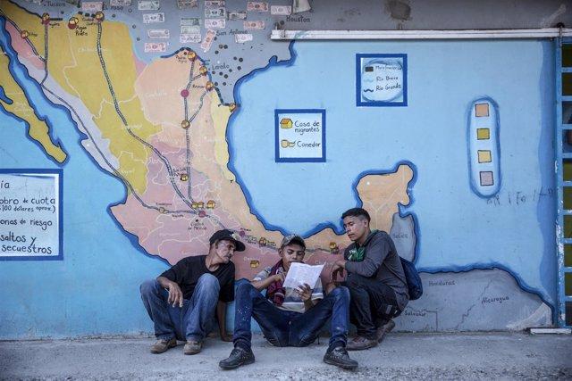 Migrantes centroamericanos en un albergue en México