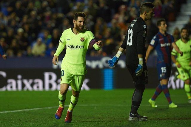 Soccer: La Liga - Levante v FC Barcelona