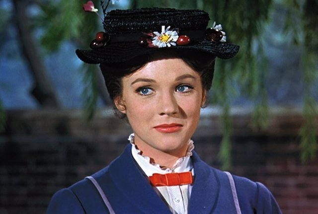 Julie Andrews como Mary Poppins