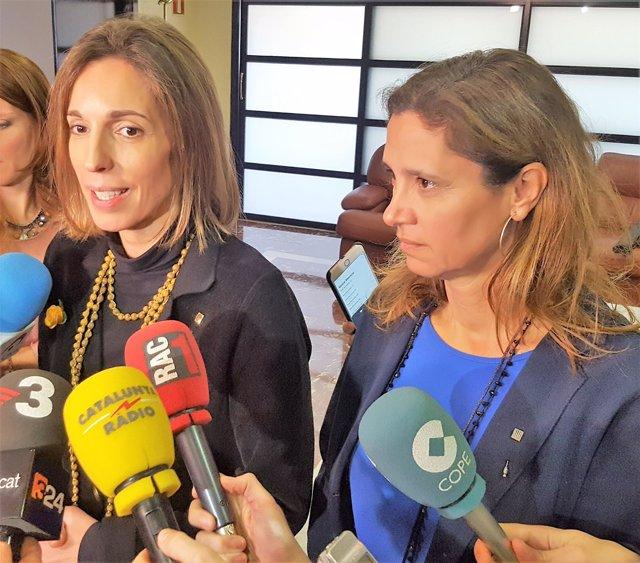 Consellera de la Generalitat Àngels Chacón, directora de Comercio Muntsa Vilalta