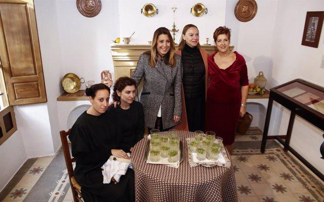 Susana Díaz, Laura García Lorca y Francisca Blanco en la 'Casa de Bernarda Alba'