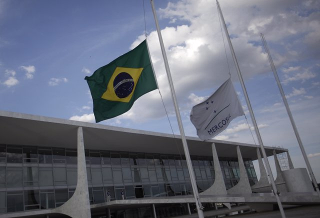 The Brazilian flag flies at half mast in front of the Planalto Palace, as a trib