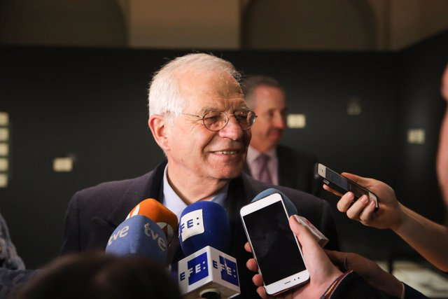 Josep Borrell asiste a la entrega del IV Premio Internacional Humanismo Solidari