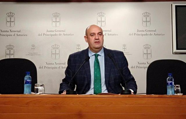 Pedro Leal, diputado de Foro, en rueda de prensa