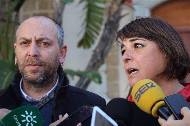 Los dirigentes del PCA Ernesto Alba y Elena Cortés