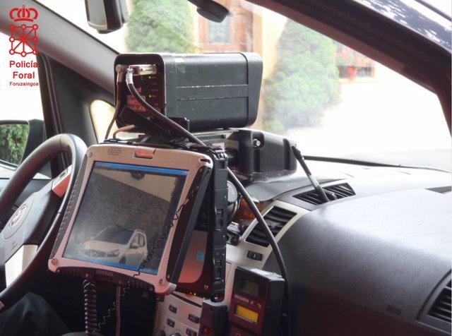 Vehículo policial provisto con sistema radar