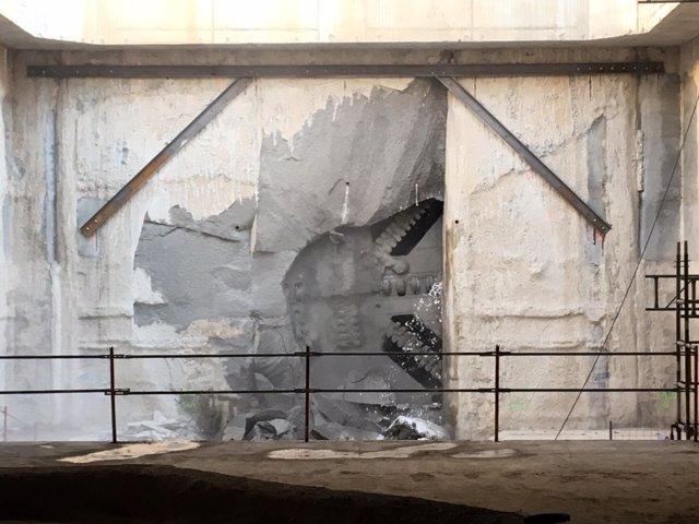 La tuneladora en su llegada a las inmediaciones de la futura estación de la T1
