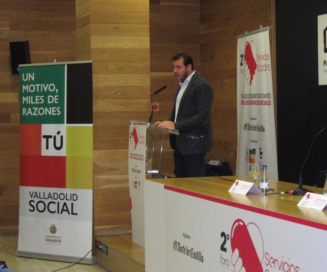El alcalde de Valladolid en el II Foro de Servicios Sociales. 19-12-18